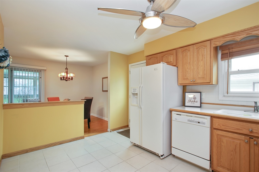 Real Estate Photography - 743 Delphia Ave, Elk Grove Village, IL, 60007 - Kitchen / Dining Room
