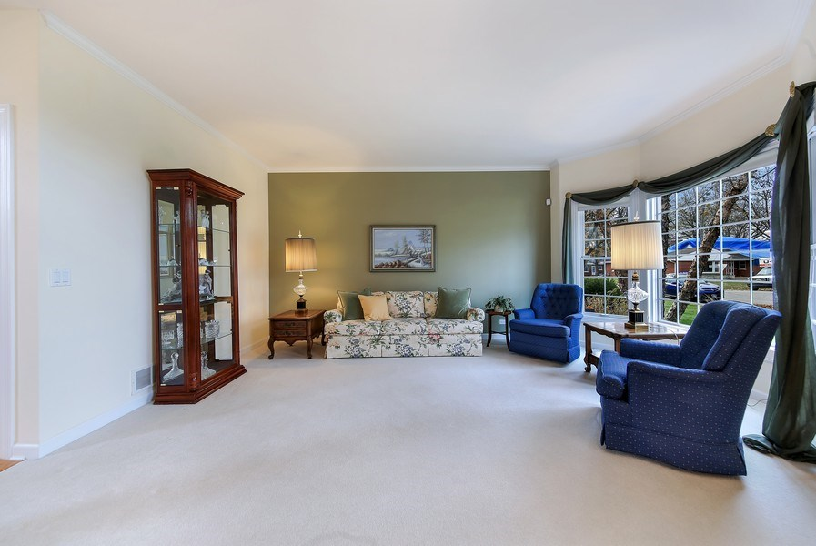 Real Estate Photography - 1529 Robinhood, LaGrange Park, IL, 60526 - Living Room
