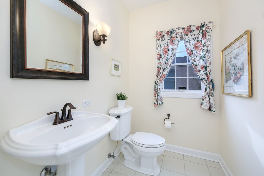 Real Estate Photography - 1529 Robinhood, LaGrange Park, IL, 60526 - Powder Room