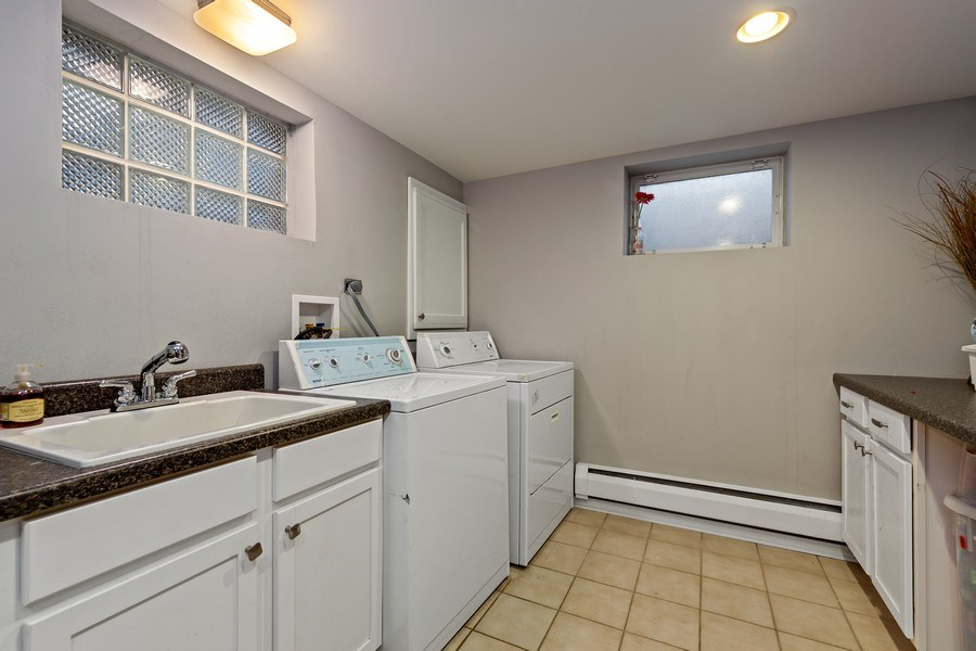 Real Estate Photography - 740 N. Stone Ave, La Grange Park, IL, 60526 - Laundry Room