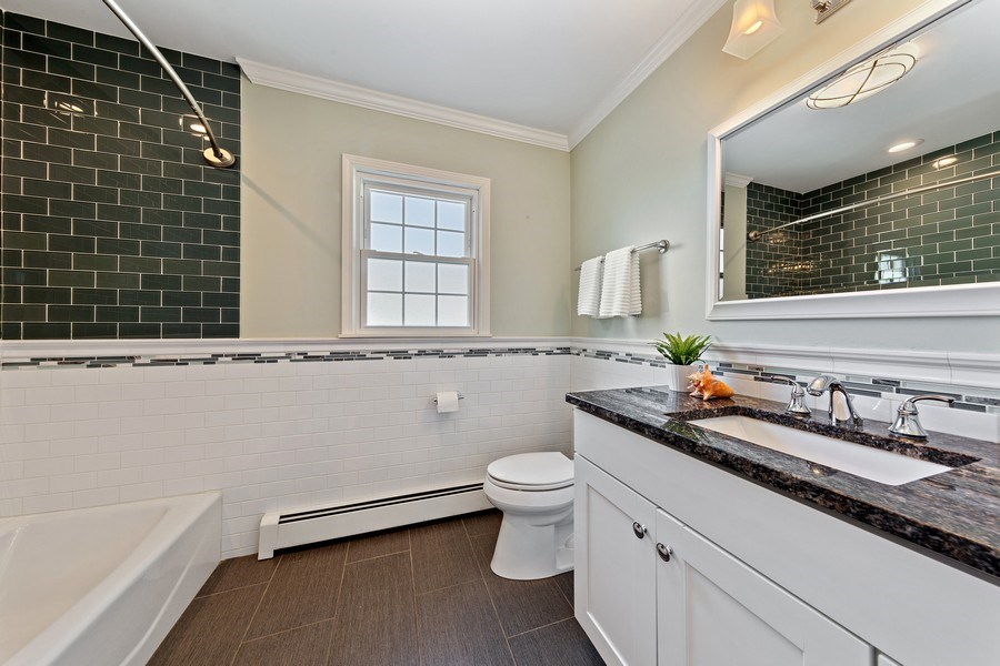 Real Estate Photography - 740 N. Stone Ave, La Grange Park, IL, 60526 - Bathroom