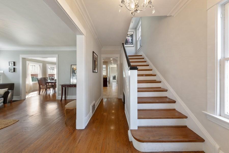 Real Estate Photography - 136 S Catherine Ave, La Grange, IL, 60525 - Foyer
