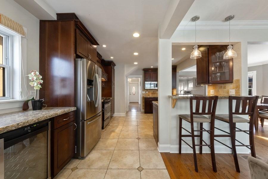 Real Estate Photography - 136 S Catherine Ave, La Grange, IL, 60525 - Kitchen