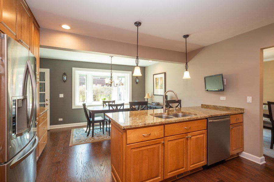 Real Estate Photography - 403 E. Ivy Lane, Arlington Heights, IL, 60004 - Kitchen / Breakfast Room