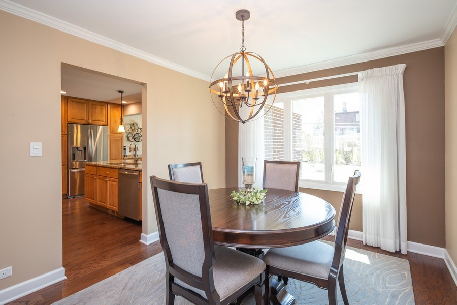 Real Estate Photography - 403 E. Ivy Lane, Arlington Heights, IL, 60004 - Dining Room