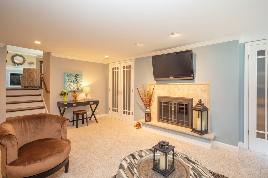 Real Estate Photography - 403 E. Ivy Lane, Arlington Heights, IL, 60004 - Family Room