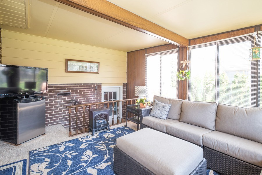 Real Estate Photography - 403 E. Ivy Lane, Arlington Heights, IL, 60004 - Sunroom