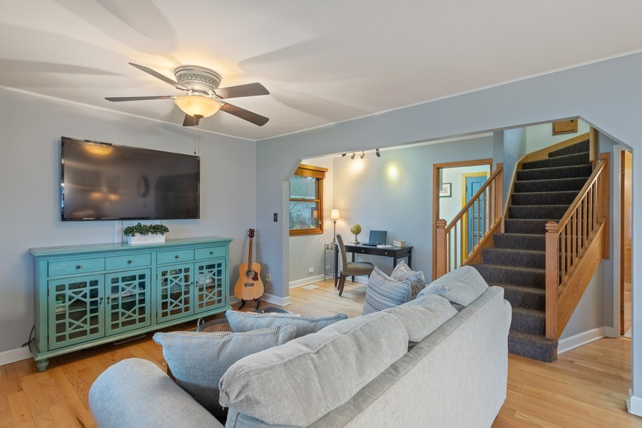 Real Estate Photography - 2316 Bluebird Lane, Rolling Meadows, IL, 60008 - Living Room