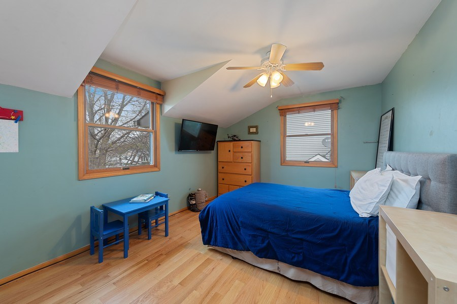 Real Estate Photography - 2316 Bluebird Lane, Rolling Meadows, IL, 60008 - 2nd Bedroom