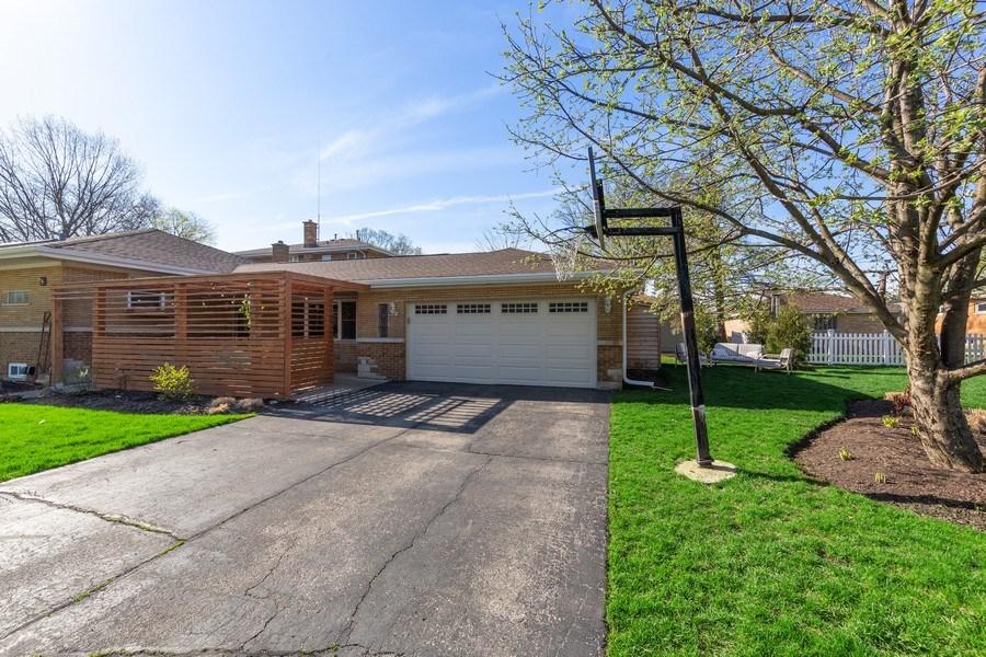 Real Estate Photography - 1144 Community Dr, La Grange Park, IL, 60526 - Side View