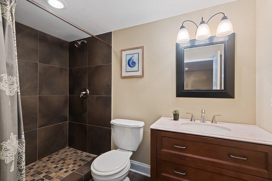 Real Estate Photography - 605 N Kensington Ave, La Grange Park, IL, 60526 - 3rd Bathroom
