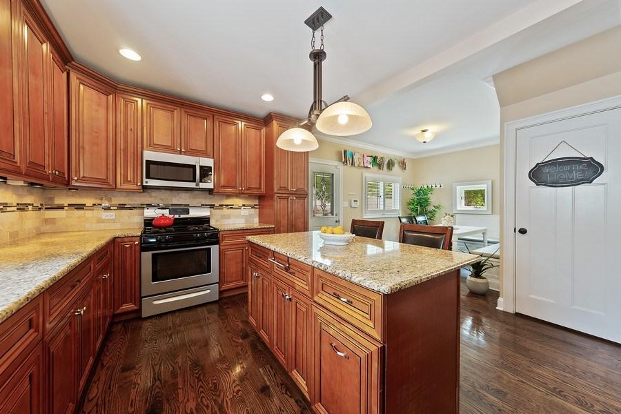 Real Estate Photography - 605 N Kensington Ave, La Grange Park, IL, 60526 - Kitchen