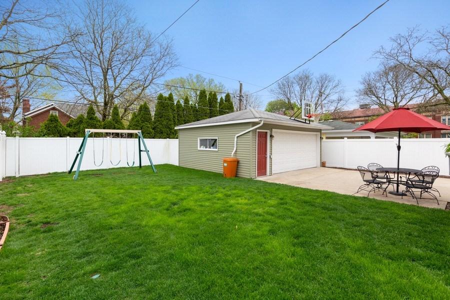 Real Estate Photography - 605 N Kensington Ave, La Grange Park, IL, 60526 - Back Yard
