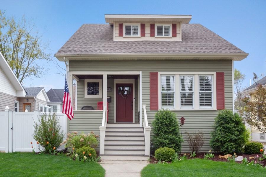 Real Estate Photography - 605 N Kensington Ave, La Grange Park, IL, 60526 - Front View