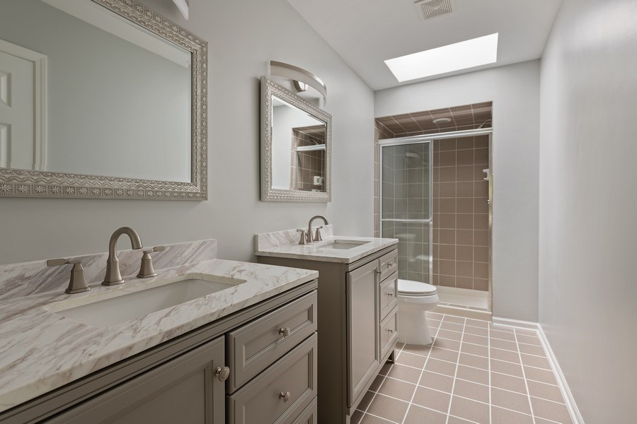 Real Estate Photography - 1652 N. Cleveland Ave., Chicago, IL, 60614 - Master Bathroom