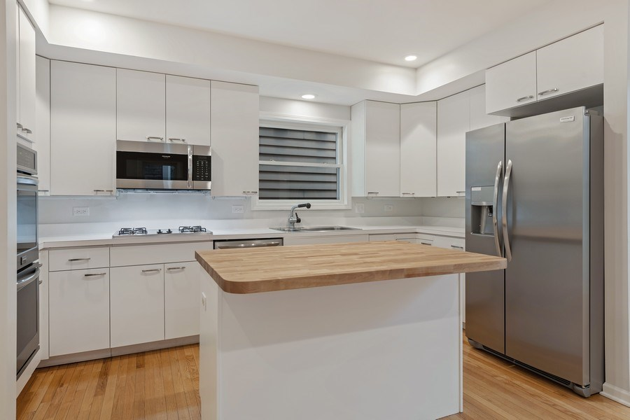 Real Estate Photography - 1652 N. Cleveland Ave., Chicago, IL, 60614 - Kitchen