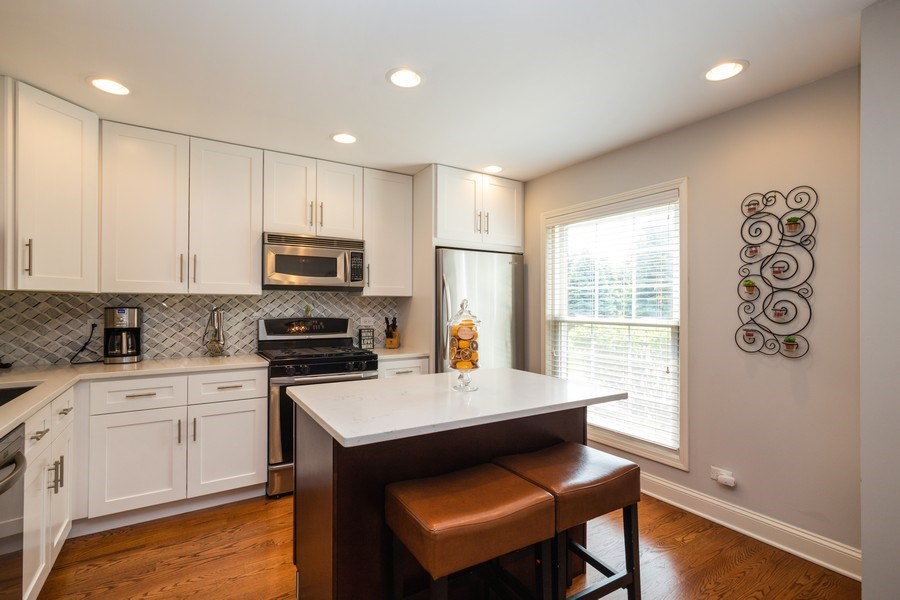 Real Estate Photography - 235 Lorraine Circle, Bloomingdale, IL, 60108 - Kitchen