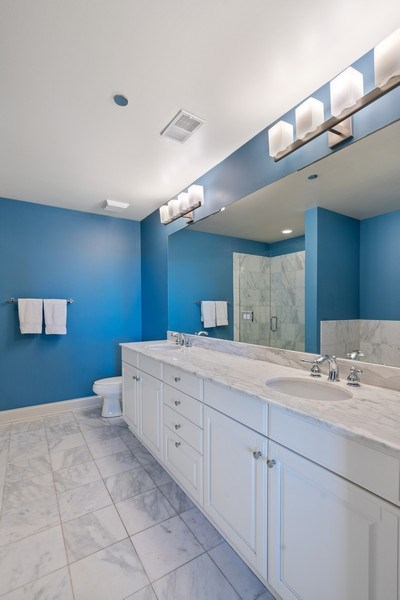 Real Estate Photography - 2811 N Bell, Unit 406, Chicago, IL, 60618 - Master Bathroom