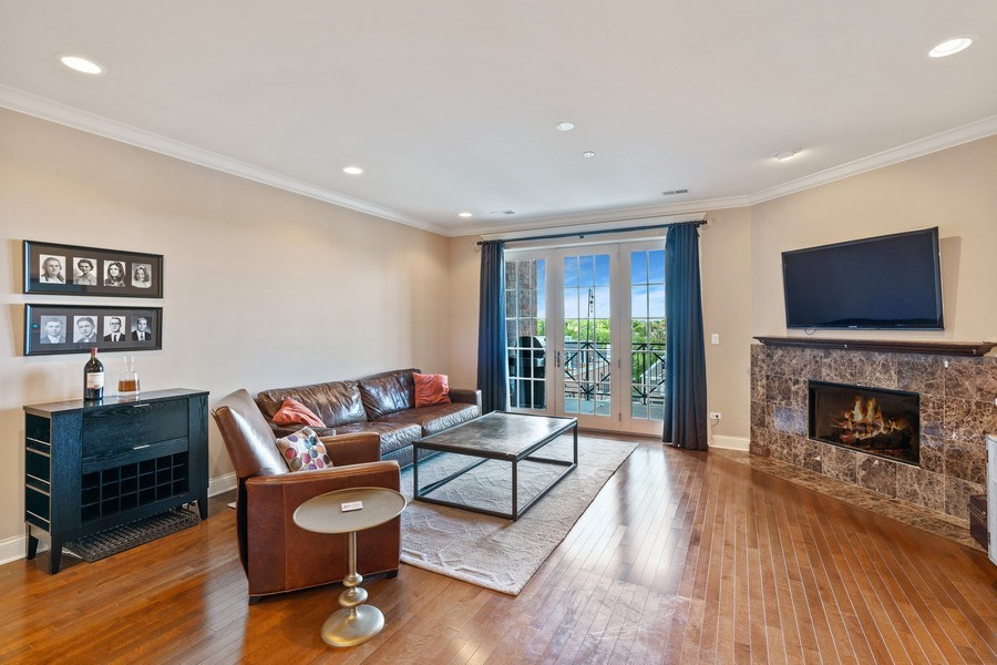 Real Estate Photography - 2811 N Bell, Unit 406, Chicago, IL, 60618 - Living Room
