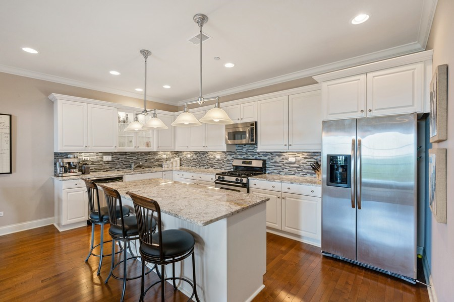 Real Estate Photography - 2811 N Bell, Unit 406, Chicago, IL, 60618 - Kitchen