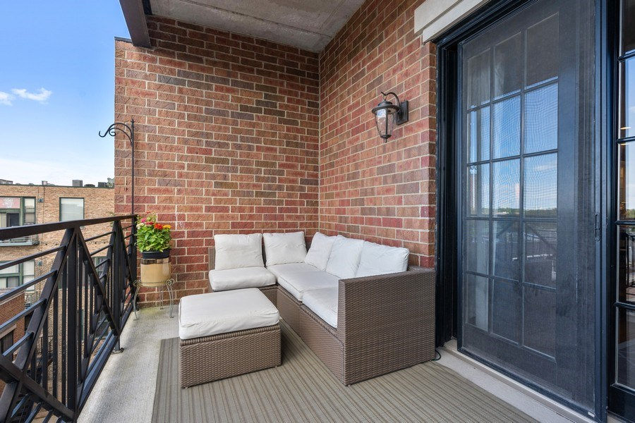 Real Estate Photography - 2811 N Bell, Unit 406, Chicago, IL, 60618 - Balcony