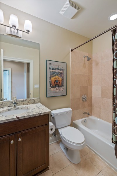 Real Estate Photography - 2811 N Bell, Unit 406, Chicago, IL, 60618 - 2nd Bathroom