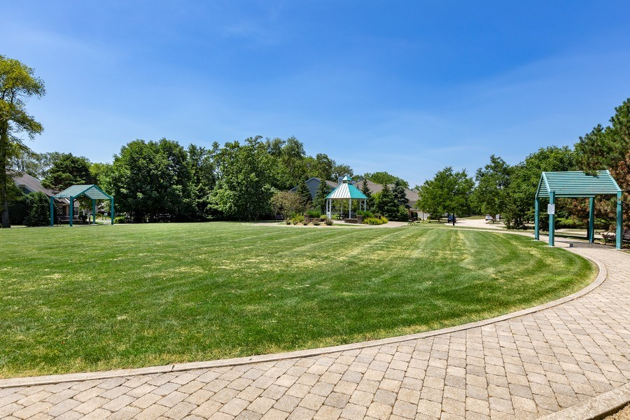 Real Estate Photography - 2588 Camberley Cir, Westchester, IL, 60154 - Park View