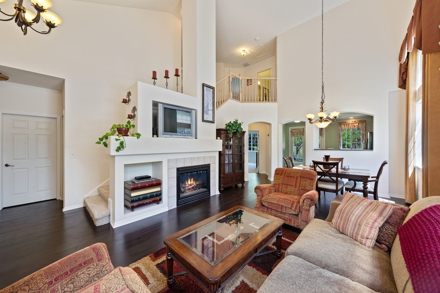 Real Estate Photography - 2588 Camberley Cir, Westchester, IL, 60154 - Living Room