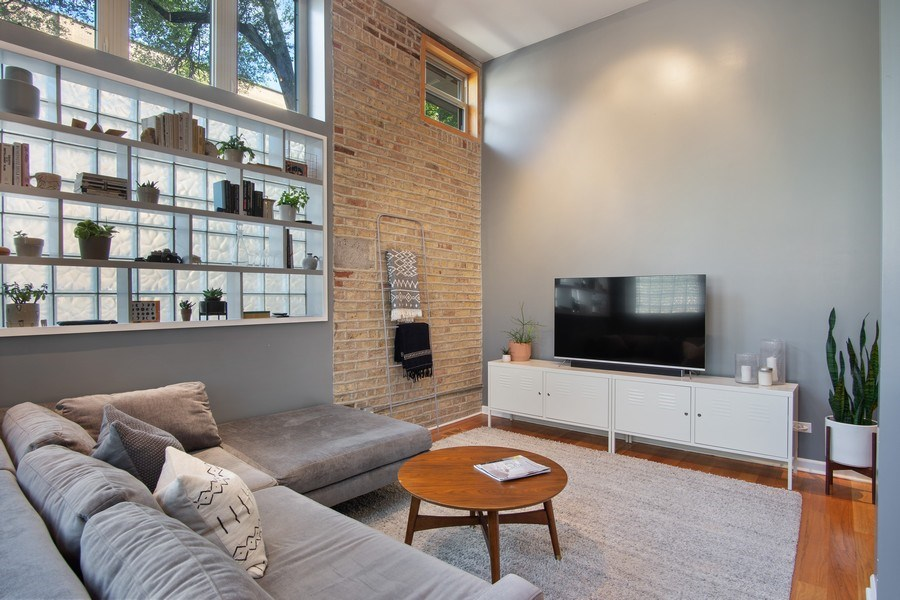 Real Estate Photography - 1257 N Maplewood, Unit 1W, Chicago, IL, 60622 - Living Room