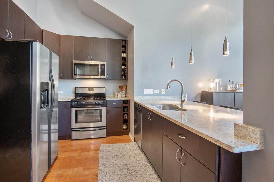 Real Estate Photography - 1257 N Maplewood, Unit 1W, Chicago, IL, 60622 - Kitchen