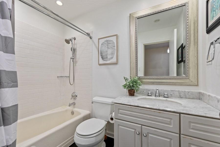 Real Estate Photography - 5124 Ellington, Western Springs, IL, 60558 - 4th Bathroom