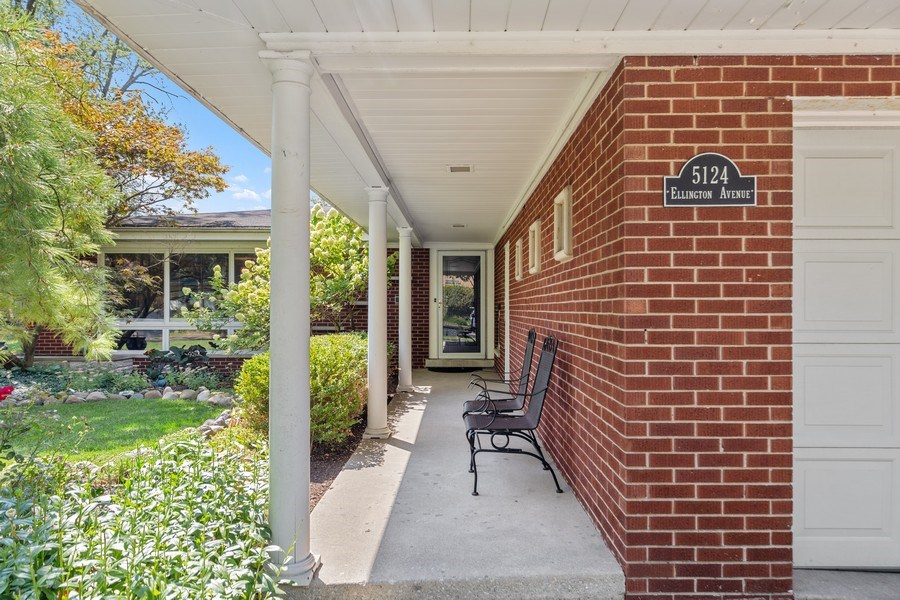 Real Estate Photography - 5124 Ellington, Western Springs, IL, 60558 - Front View