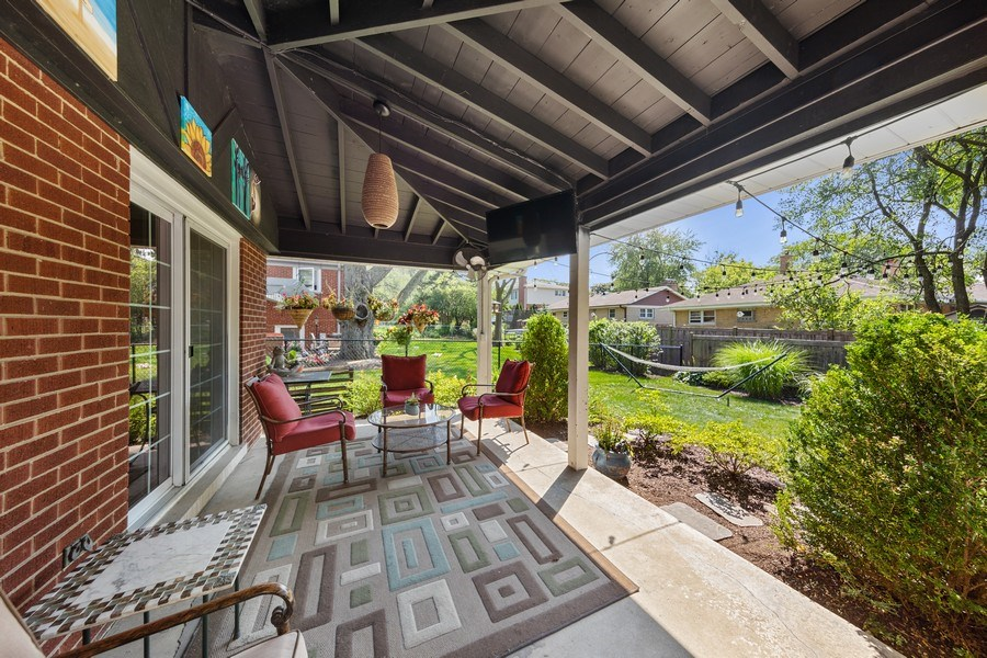 Real Estate Photography - 5124 Ellington, Western Springs, IL, 60558 - Patio