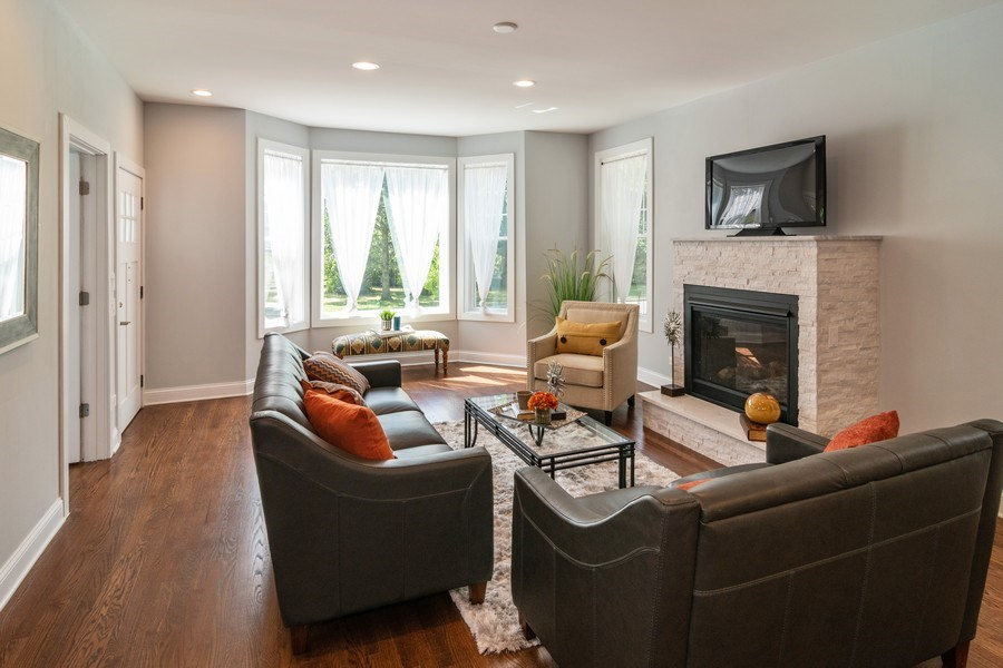 Real Estate Photography - 204 Fairbank, Riverside, IL, 60546 - Living Room