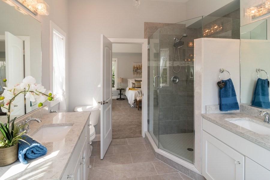 Real Estate Photography - 204 Fairbank, Riverside, IL, 60546 - Master Bathroom