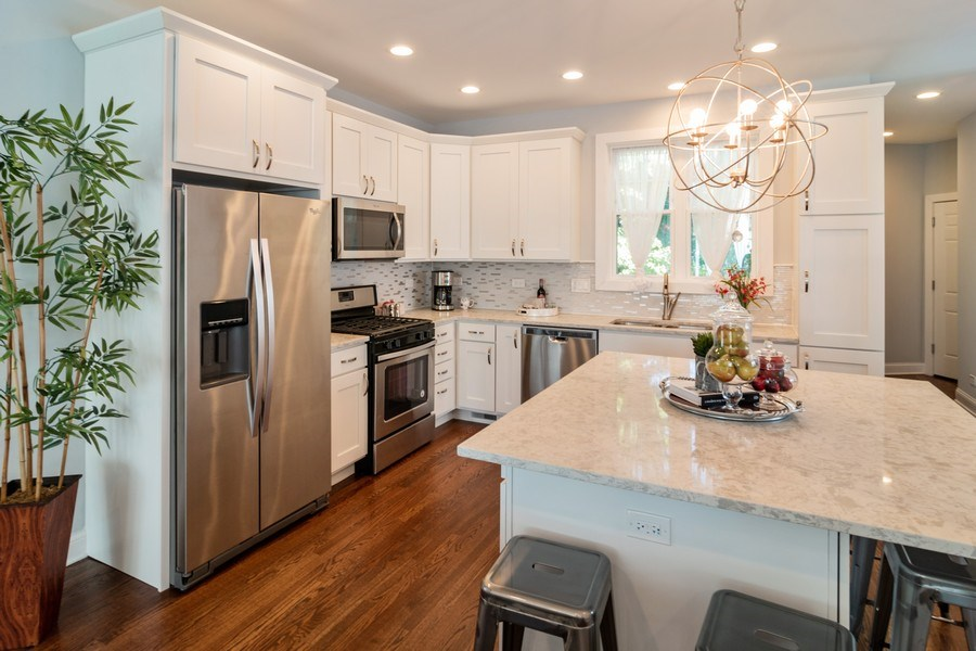 Real Estate Photography - 204 Fairbank, Riverside, IL, 60546 - Kitchen