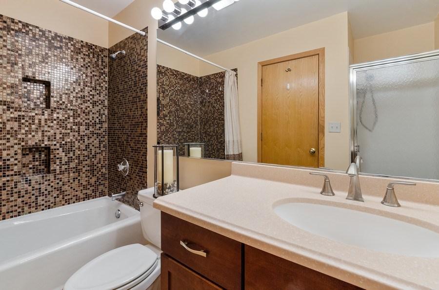 Real Estate Photography - 612 S. Laflin, Unit E, Chicago, IL, 60607 - Master Bathroom