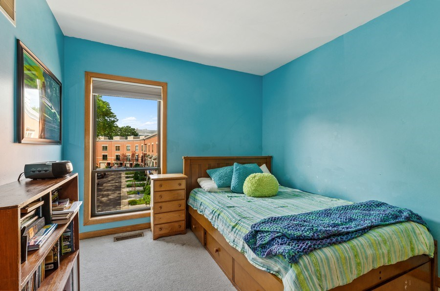 Real Estate Photography - 612 S. Laflin, Unit E, Chicago, IL, 60607 - 2nd Bedroom