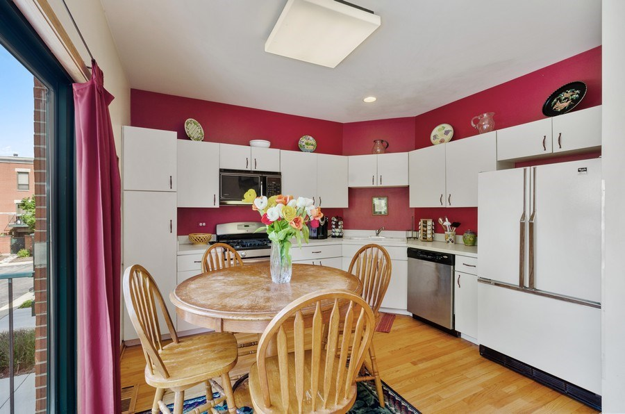 Real Estate Photography - 612 S. Laflin, Unit E, Chicago, IL, 60607 - Kitchen