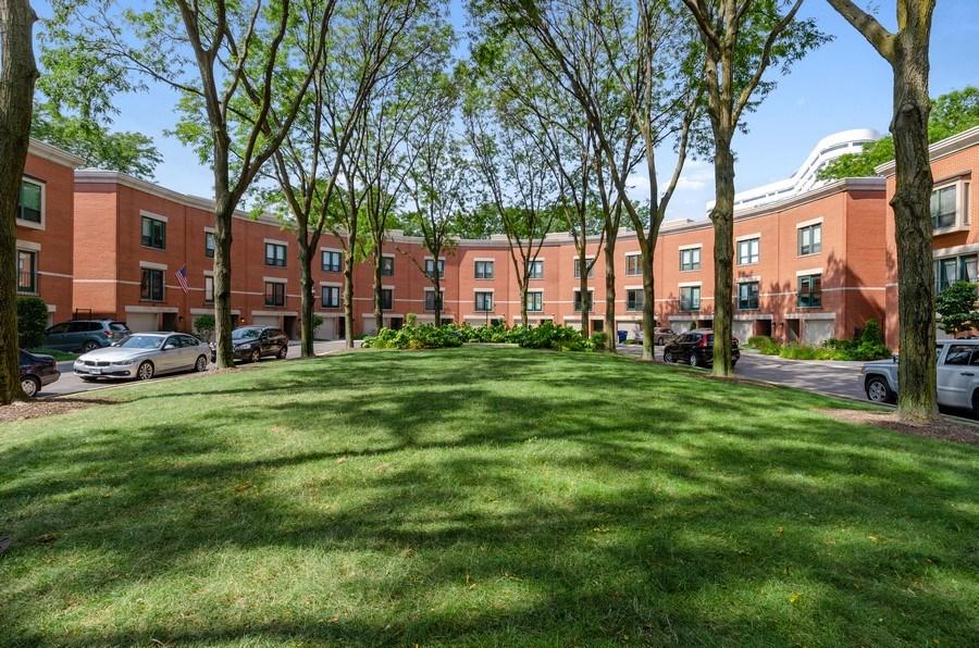 Real Estate Photography - 612 S. Laflin, Unit E, Chicago, IL, 60607 -