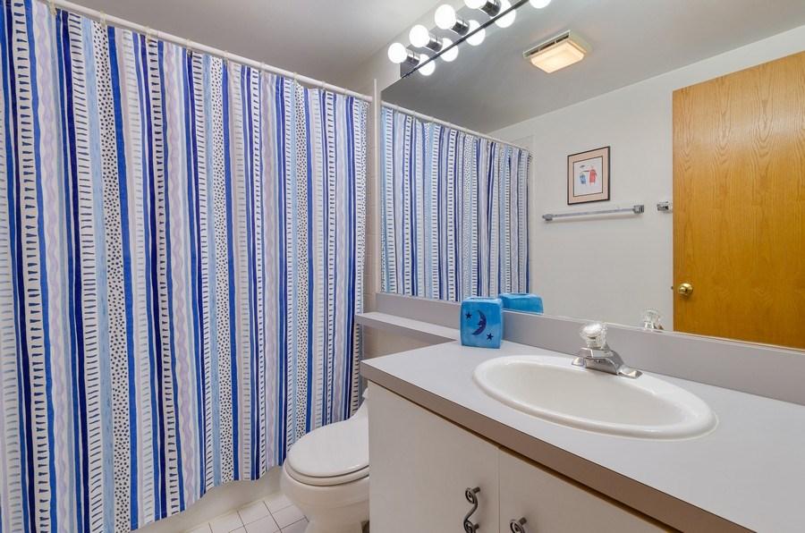 Real Estate Photography - 612 S. Laflin, Unit E, Chicago, IL, 60607 - Bathroom