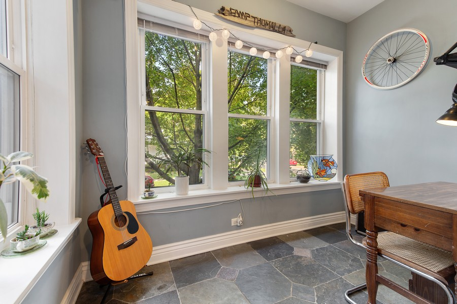 Real Estate Photography - 7035 N Greenview Ave, Unit 1S, Chicago, IL, 60626 - Den