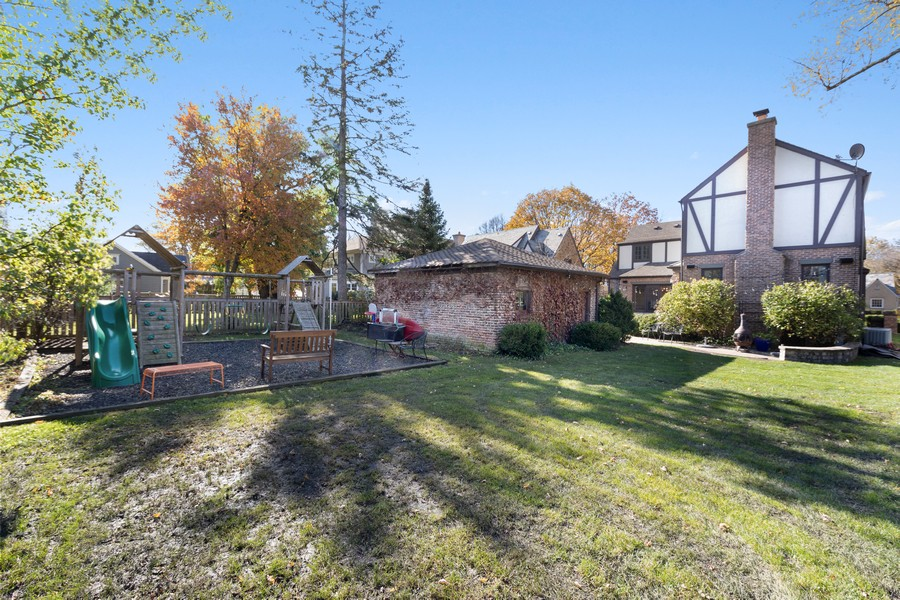 Real Estate Photography - 4731 Grand Ave, Western Springs, IL, 60558 -