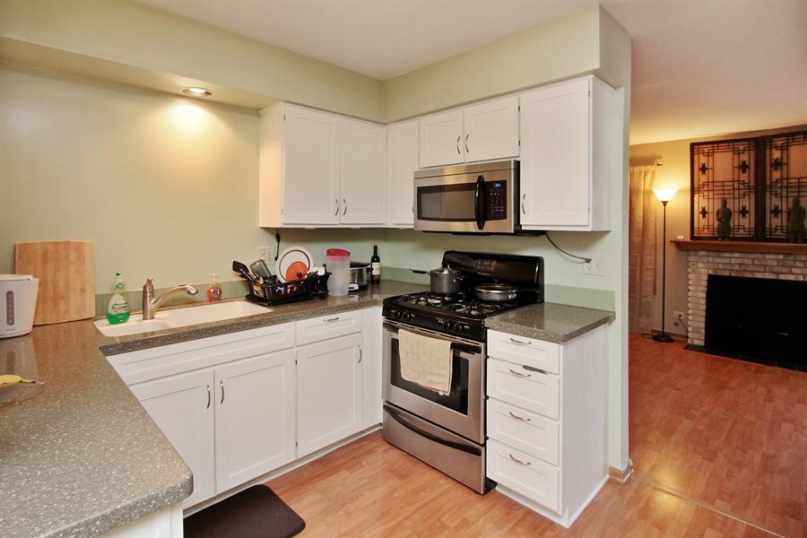 Real Estate Photography - 4484 Brighton Ct, Gurnee, IL, 60031 - Kitchen