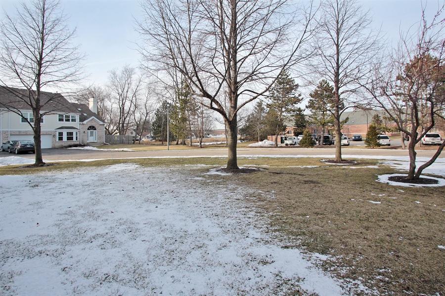 Real Estate Photography - 4484 Brighton Ct, Gurnee, IL, 60031 - Back Yard