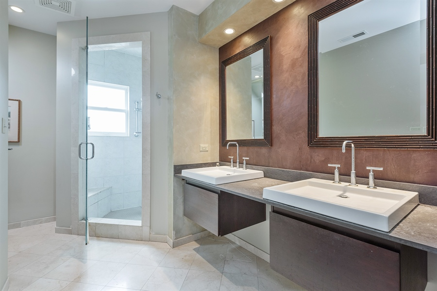 Real Estate Photography - 4512 N Damen, Chicago, IL, 60625 - Master Bathroom