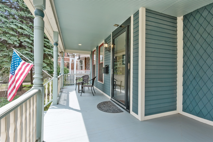 Real Estate Photography - 4512 N Damen, Chicago, IL, 60625 - Porch