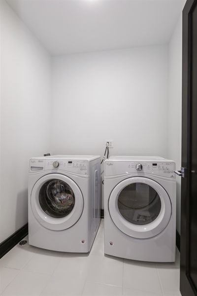 Real Estate Photography - 1702 W Farragut, Chicago, IL, 60640 - Laundry Room