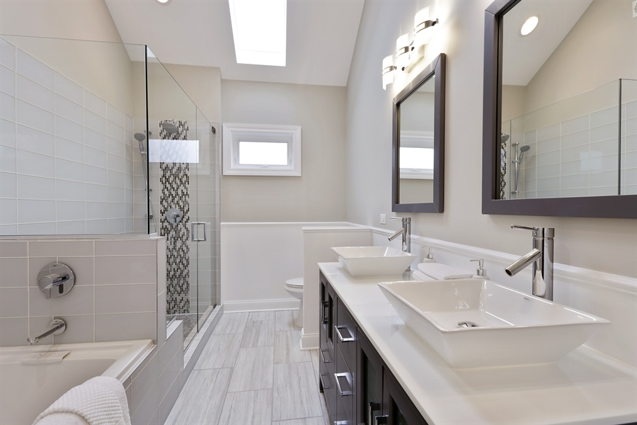 Real Estate Photography - 6108 N Wolcott, Chicago, IL, 60660 - Master Bathroom