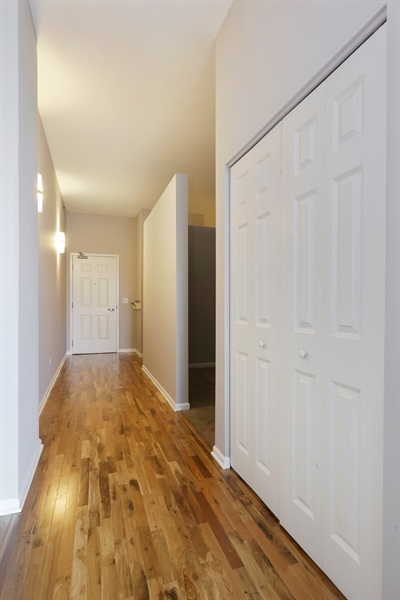 Real Estate Photography - 340 W Superior St, 1106, Chicago, IL, 60654 - Hallway